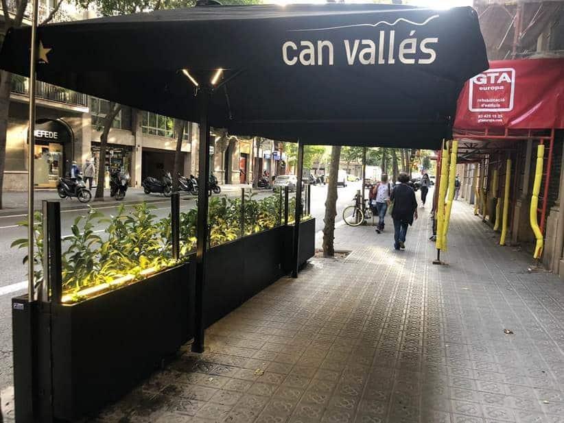 Jardinera de Can Vallés vista desde el lateral.